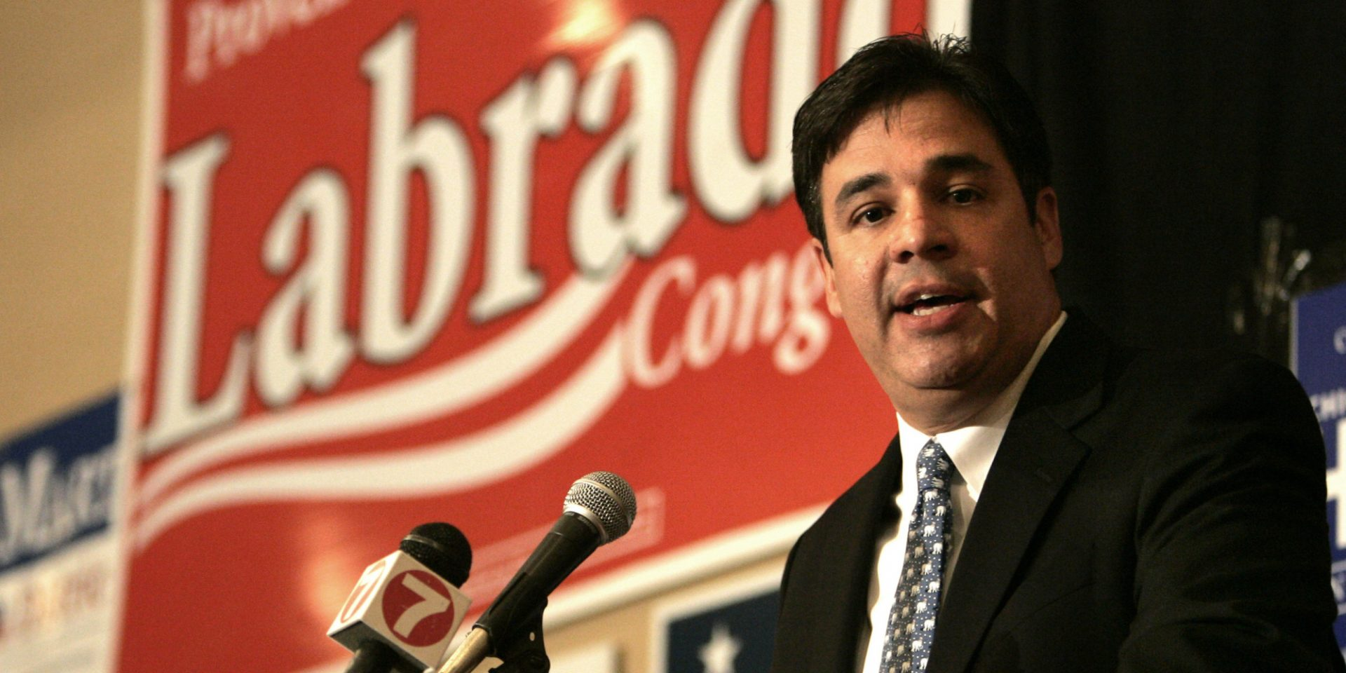 In the Political Arena, is Labrador back in his Conservative Shoes?