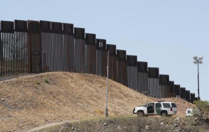 Conservatives Launch All Out Battle for Trump Border Wall
